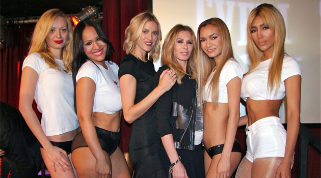 "Real Housewives Of NYC Hang With Rick's Cabaret Girls At ""Broadway Boxing"""