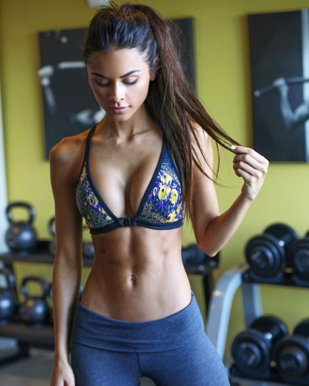 sexy-girls-at-the-gym-11