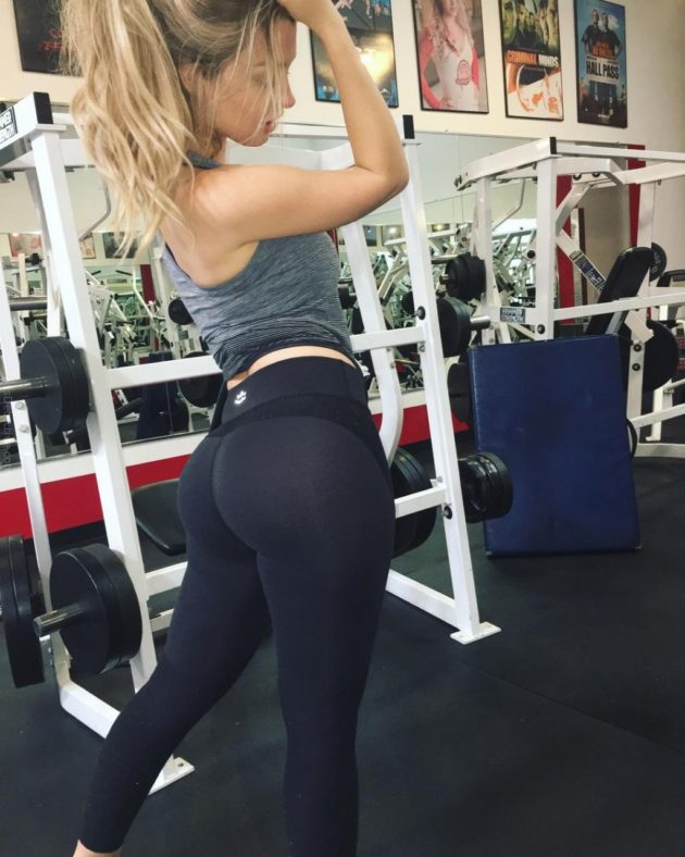 sexy-girls-at-the-gym-12