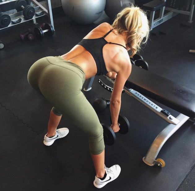sexy-girls-at-the-gym-17