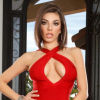 Darcie Dolce Signs With LA Direct Models