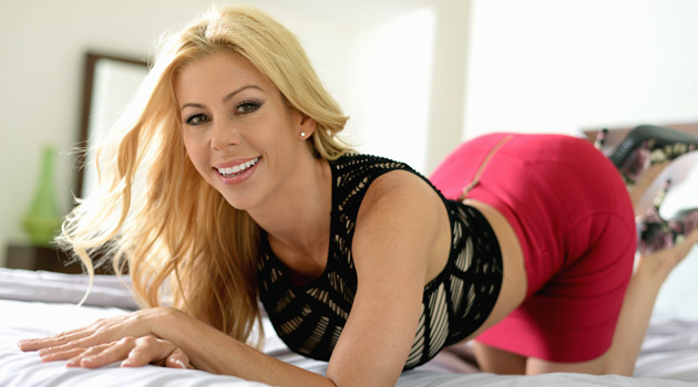 Mile High Media Signs Alexis Fawx To G/G Contract